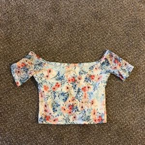 Adorable hollister laced crop top